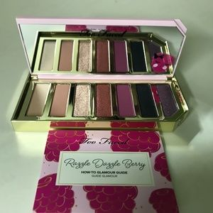TOO FACED RAZZLE DAZZLE BERRY EYE SHADOW PALETTE